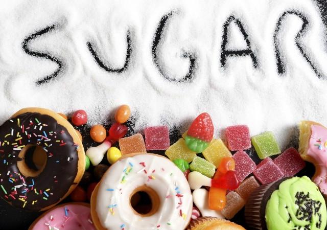 Nạp quá nhiều đường cho cơ thể là tác nhân gây suy giảm miễn dịch.