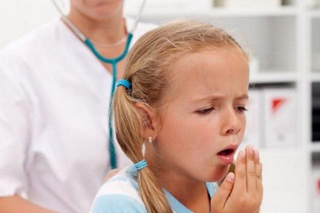 Suy giảm hệ miễn dịch khiến cơ thể dễ mắc bệnh về hô hấp. Nguồn: Internet